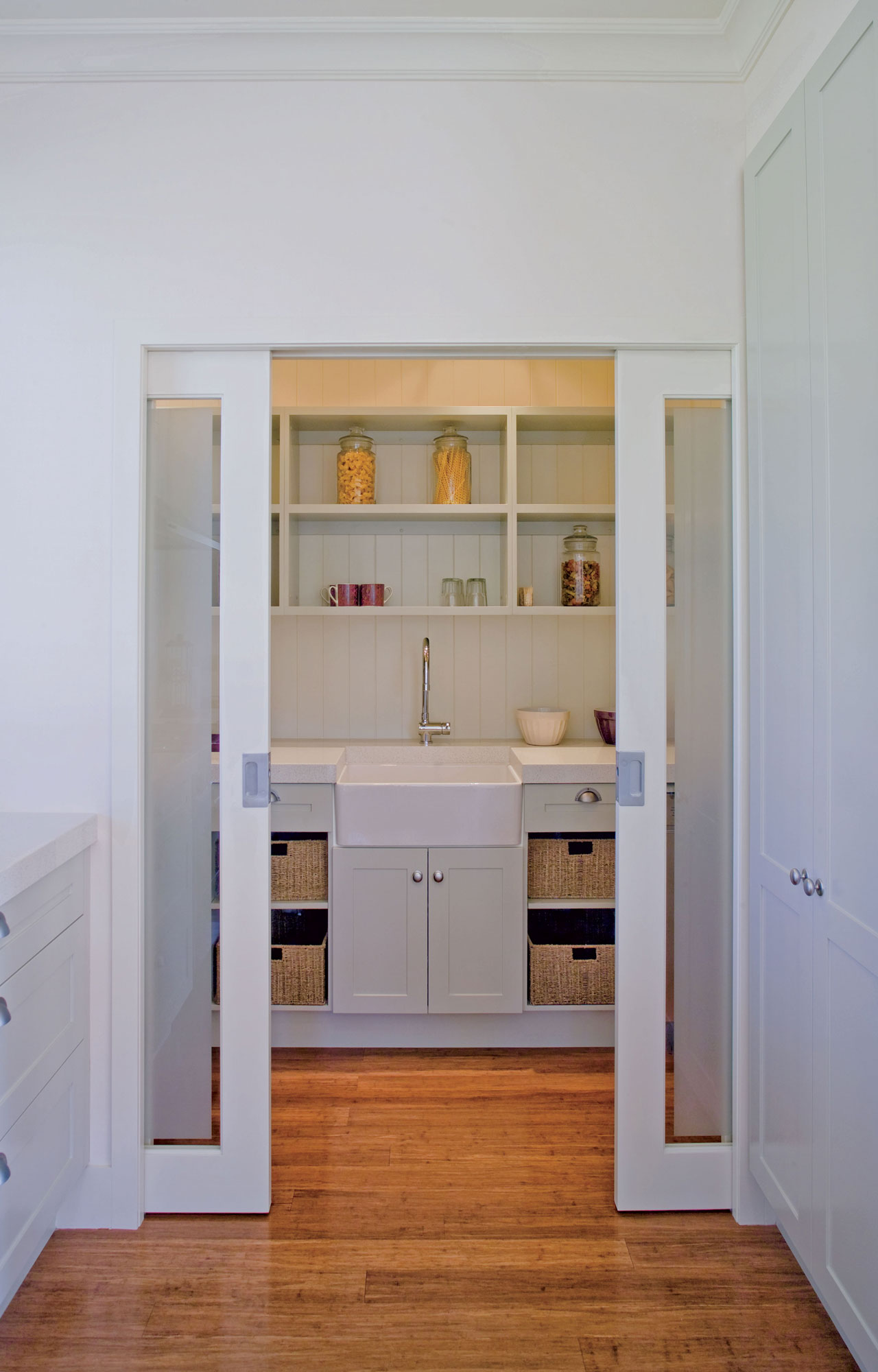 Double Door Kitchen CaviTrack
