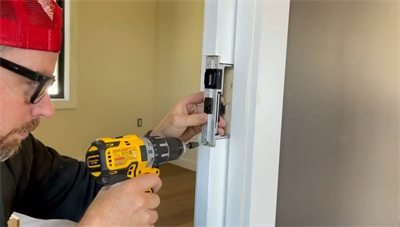 Perkins Builder Brothers Install the CL400 Magnetic