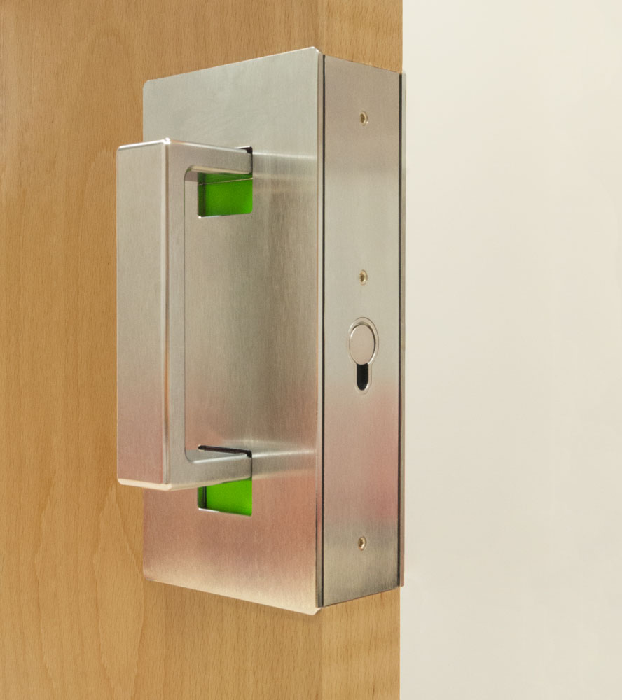 CL400 ADA Privacy with D-Pull handle