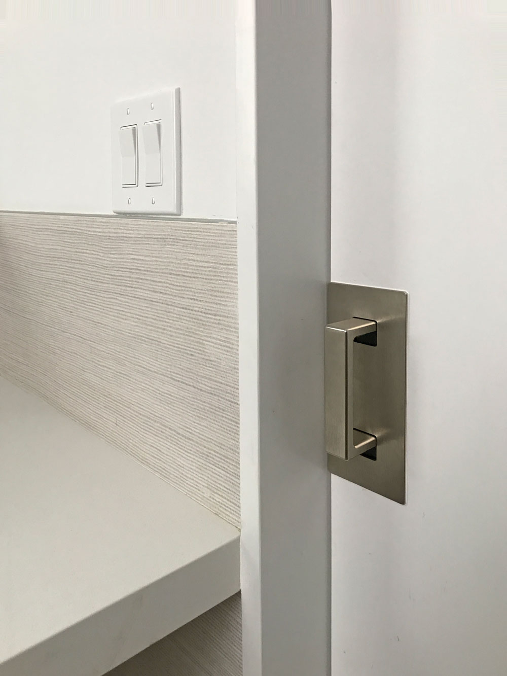CL400 ADA Magnetic Privacy