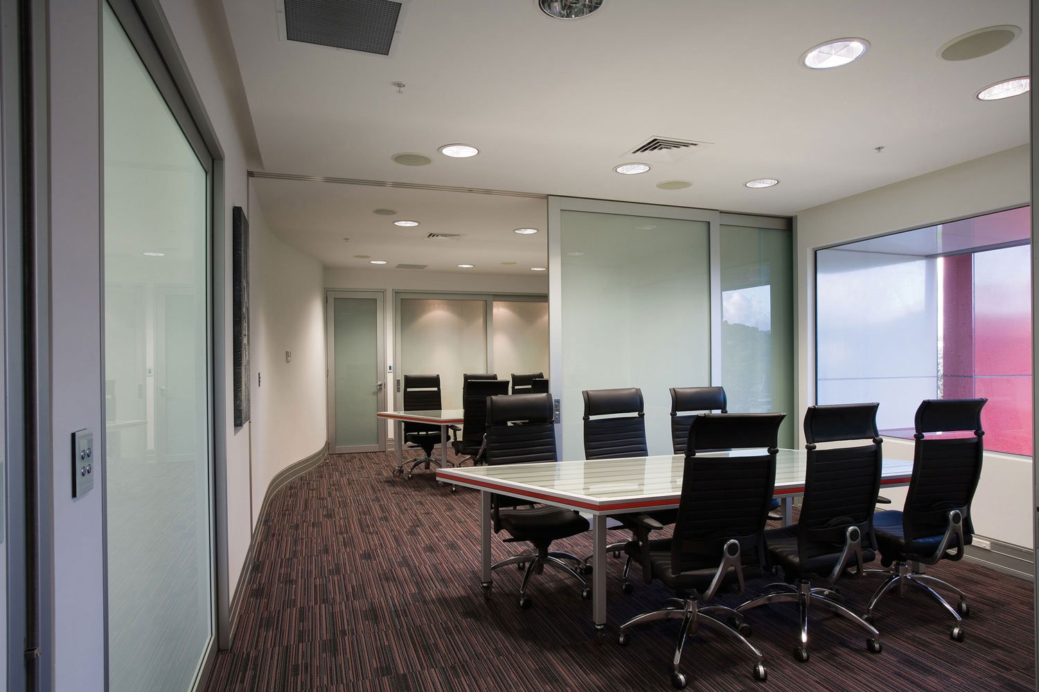 FH Ceiling Mount Boardroom Overtaking System