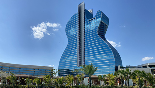 Hard Rock Guitar Hotel Showcases the CL400 Magnetic in Champagne Bronze